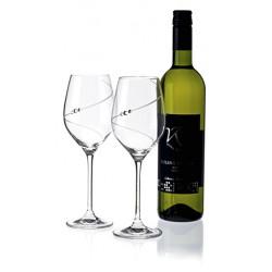 Silhouette biele víno - pár kalichov